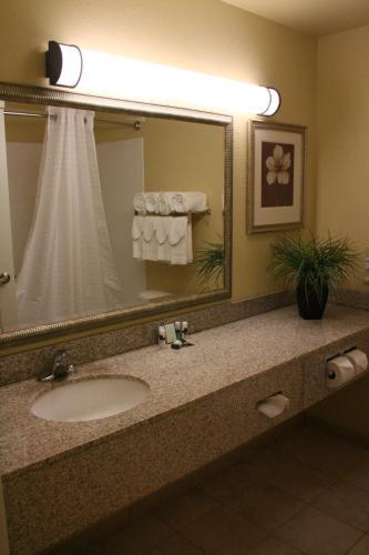 Country Inn & Suites by Radisson, Carlisle, PA Photo