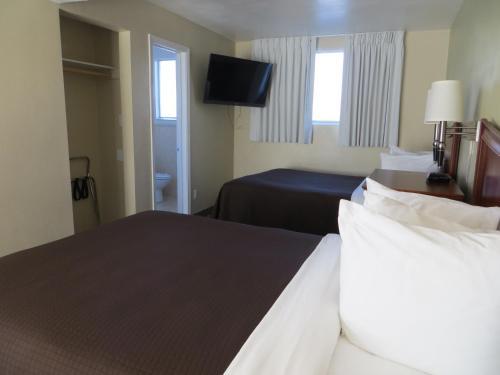 Coronet Motel Photo