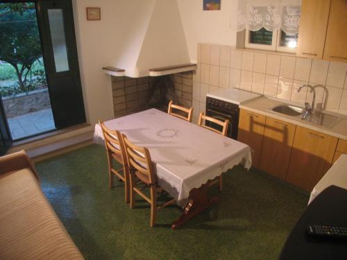 Apartments & Rooms Pierino