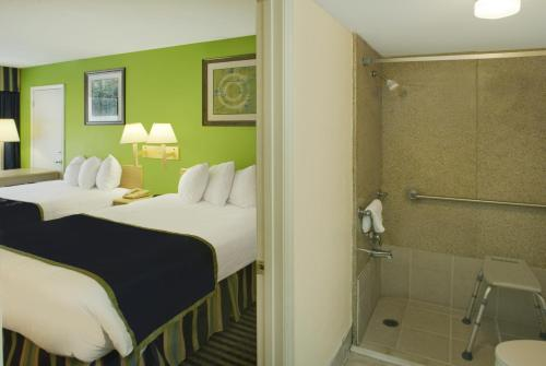 Days Inn By Wyndham Richmond Hill/savannah - Richmond Hill, GA 31324