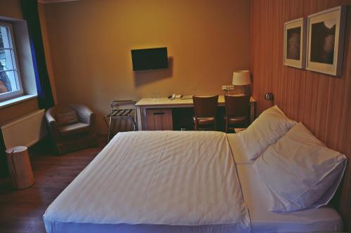 postel kamarádi datování mýdlové hvězdy z roku 2013