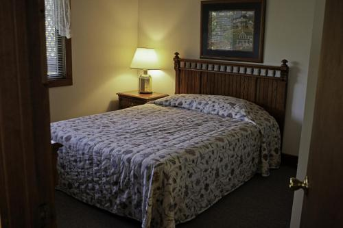 Country Hideaway At Mountain Lakes Resort - Cleveland, GA 30528