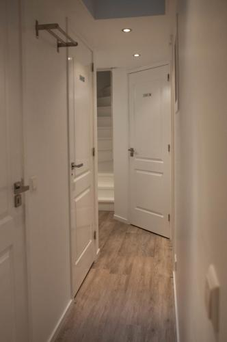 Chariot Amsterdam - canal apartment photo 5