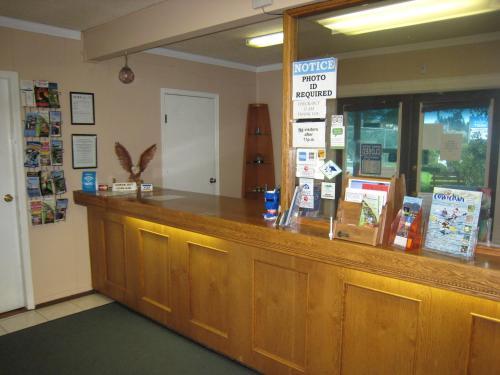 Falcon Nest Motel - Duncan, BC V9L 3R9