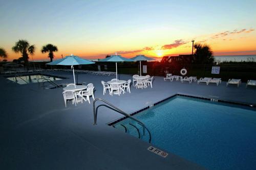 Tropical Seas Hotel Photo