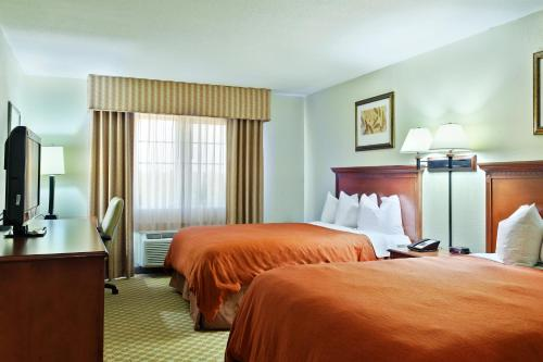 Country Inn & Suites by Radisson, Decatur, IL Photo