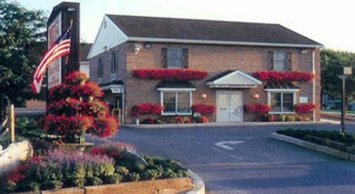 Classic Inn Lancaster - Lancaster, PA 17602