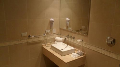 Howard Johnson Hotel Piedras Moras Photo