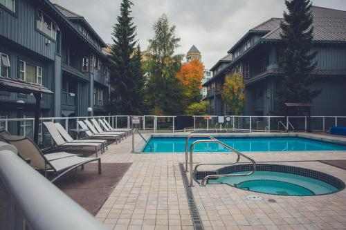 Luxury One Room Ski In/out Lodge - Whistler, BC V0N 1B4
