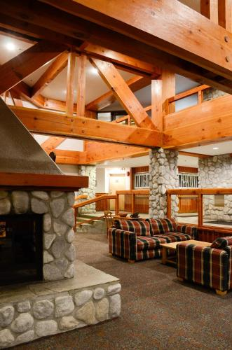 Lake Placid Lodge By Whistler Vacation Club - Whistler, BC V0N 1B4