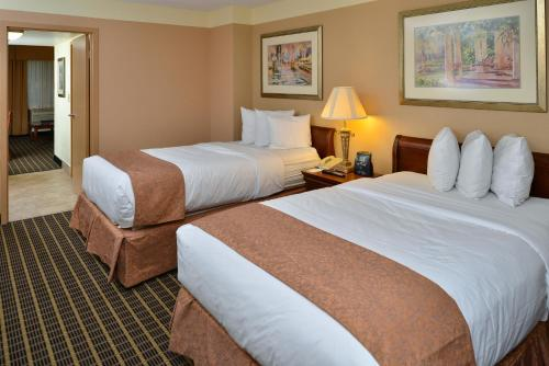 Quality Suites Orlando Kissimmee The Royale Parc Suites photo 12