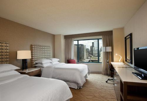 Sheraton Grand Chicago photo 20