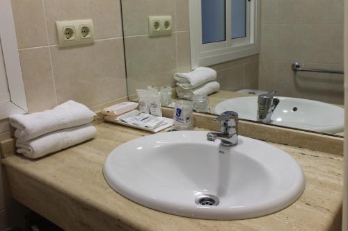 Hotel RH Sol photo 21