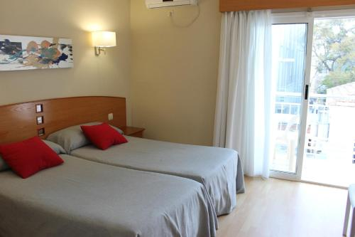Hotel RH Sol photo 34