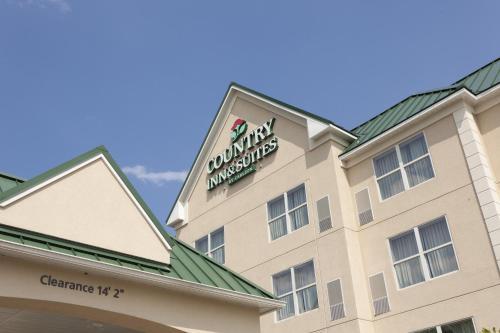 Country Inn & Suites by Radisson, Potomac Mills Woodbridge, VA Photo