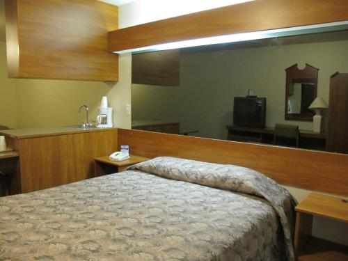 Microtel Inn & Suites By Wyndham Eagle River/anchorage Area - Eagle River, AK 99577
