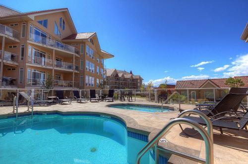Discovery Bay Resort By Kelownacondorentals - Kelowna, BC V1Y 9W1