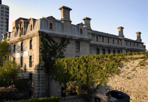Hi- Ottawa Jail Hostel - Ottawa, ON K1N 7B9