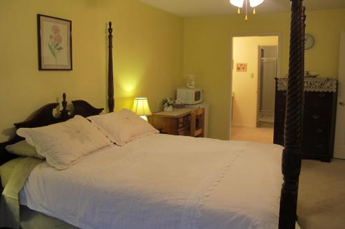 Amanda's Bed & Breakfast - Markham, ON L3P 6N9