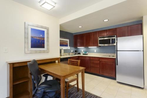 Homewood Suites By Hilton San Diego Airport-liberty Station - San Diego, CA 92106