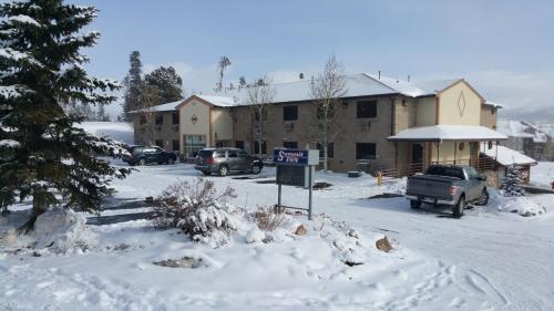 New Summit Inn Photo