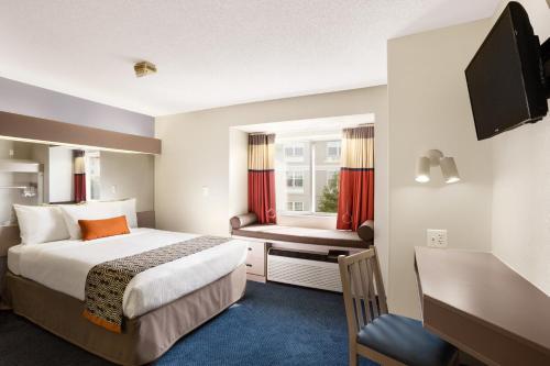 Microtel Inn By Wyndham Louisville East Photo