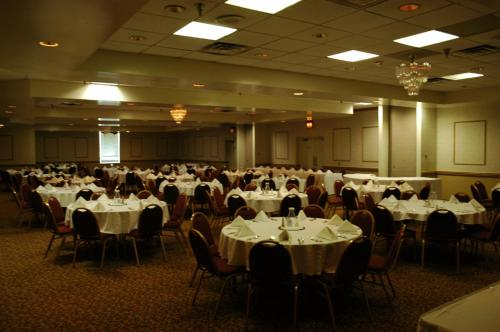 Clarion Hotel Conference Center - South