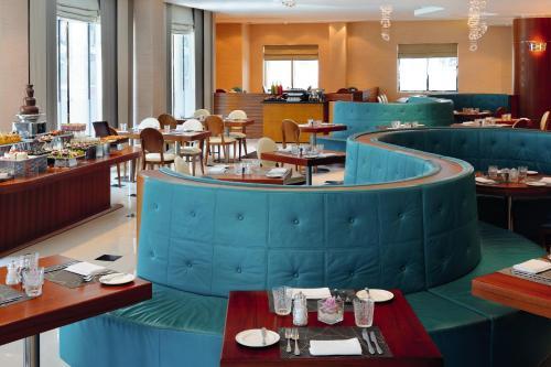 AVANI Deira Dubai Hotel photo 33