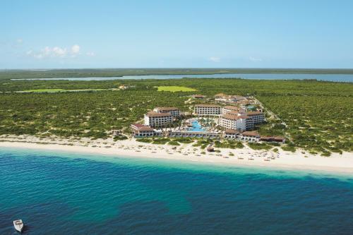 Prolongación Bonampak S/N, Punta SAM, Cancún 77400, Quintana Roo, Mexico.