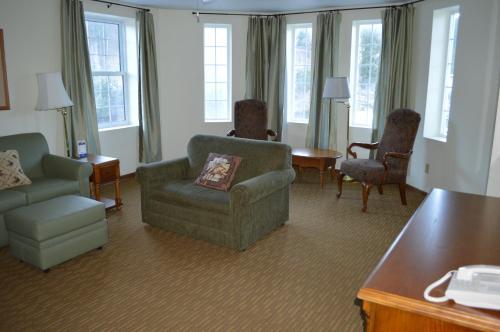 Roosevelt Inn - Keystone, SD 57751