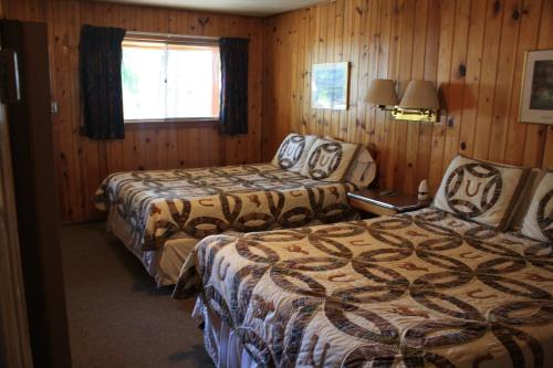Elkhorn Lodge Photo