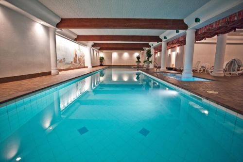 Enzian Inn - Leavenworth, WA 98826