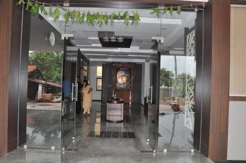 The SSLR Hotel