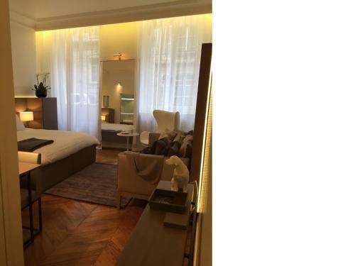 Cirque Deluxe Studio Apartment photo 6
