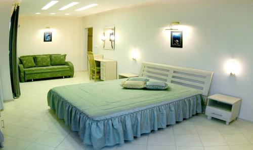 Stela Guest House