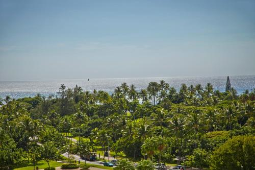 Luana Waikiki An Aqua Boutique Hotel - Honolulu, HI 96815