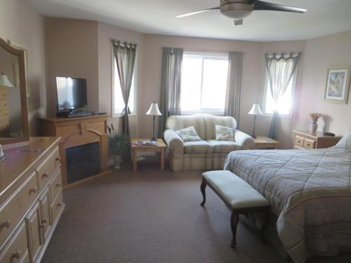 Villa Gardenia Bed & Breakfast - Niagara Falls, ON L2E 3M8