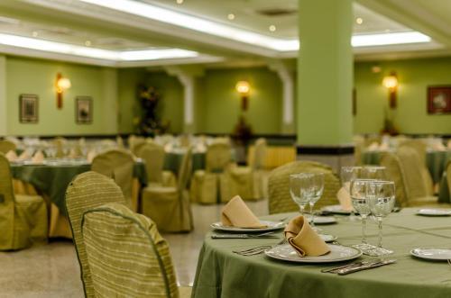 Hotel Infanta Cristina 9