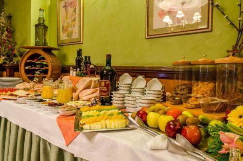 Hotel Infanta Cristina 18