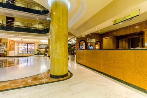 Hotel Infanta Cristina 33