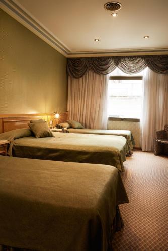 Gran Hotel Ailen Photo