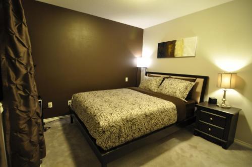 Cornerstone Bed And Breakfast - Revelstoke, BC V0E 2S1
