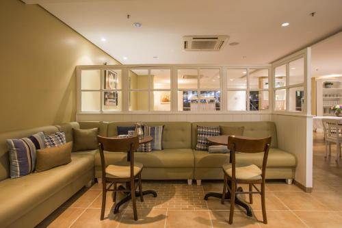 Astron Hotel Bauru Photo