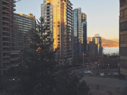 Greenbrier Hotel - Vancouver, BC V6E 1C6
