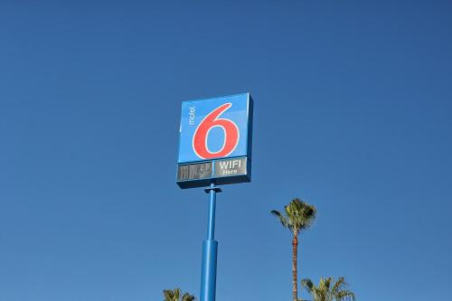 Motel 6 Merced Photo