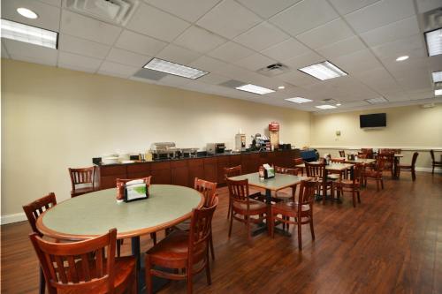 Wyndham Garden Tallahassee Capitol - Tallahassee, FL 32301