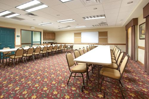 Country Inn & Suites by Radisson, Boise West, ID Photo