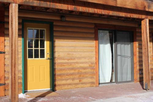 A Gem Inn the Rockies Photo