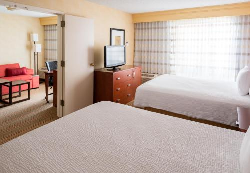 Courtyard By Marriott Des Moines West/clive - Clive, IA 50325