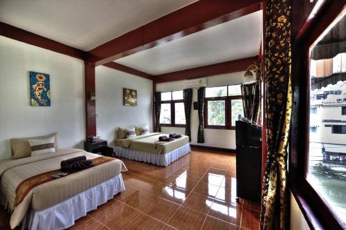 Queen Suriya's Hostel photo 1